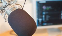 ¿Cómo conectar un micrófono?
