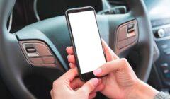 Cómo conectar móvil al coche